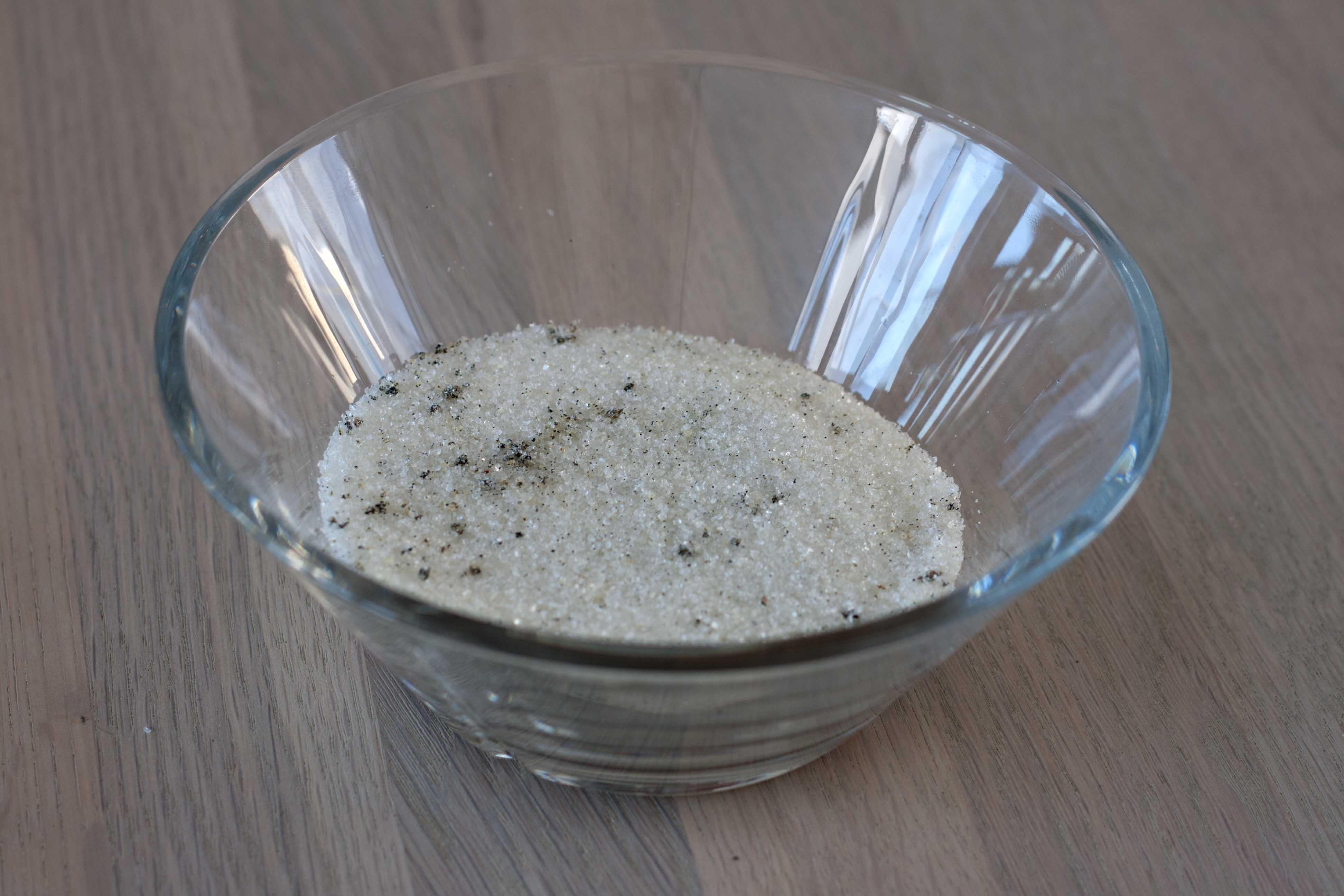 opskrift på Skyr is med rabarber og mandelmarengs, madblogger udfordringen