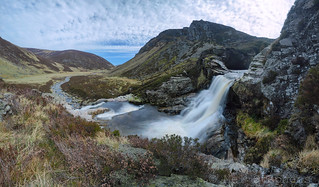 Above Falls of Unich (D4199890 0p3 E-M1 9mm iso400 f4 0.6s)
