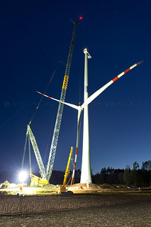Lifting the rotor for a Senvion 3.2M in Pottenbrunn, Austria