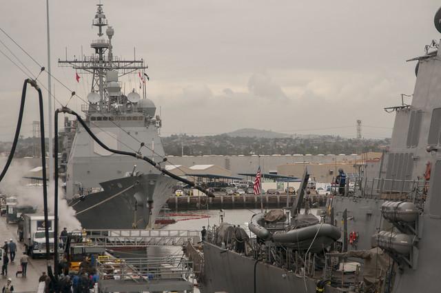 USS Higgins, Essex Simulate Replenishment-at-sea