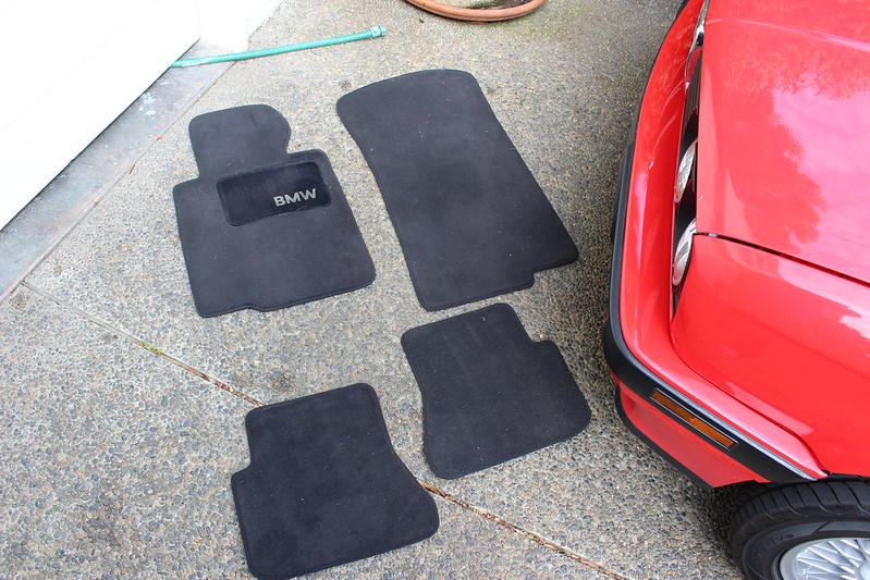 "nice dashboard and ""e30"" floor mats - r3vlimited forums"