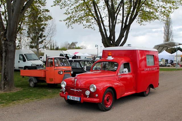 Peugeot 203 Ambulance Paquet de Tabac