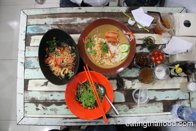P'Aor (ร้านพี่อ้อ) - A restaurant you don't want to miss!
