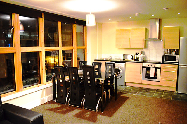 Kitchen and Dining Area, City Warehouse Apartment Hotel, Manchester