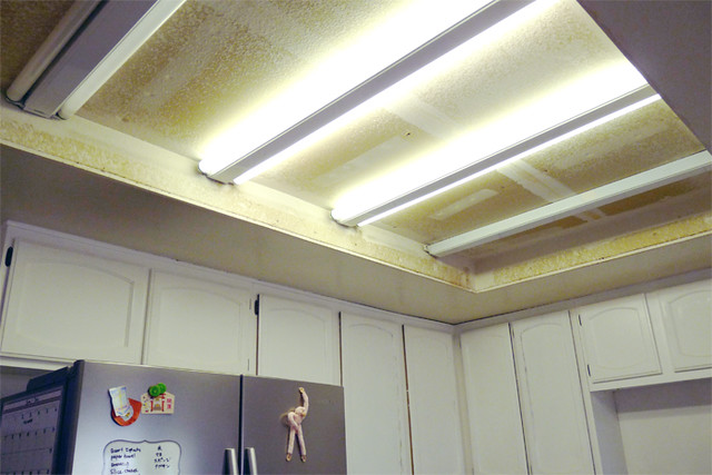 Kitchen Ceiling Before DIY