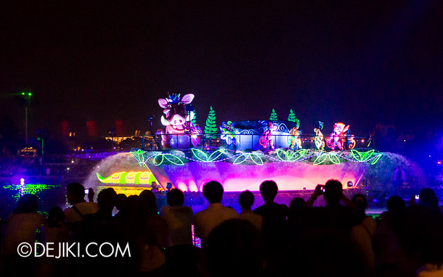 Tokyo DisneySea - Mediterranean Harbor / Fantasmic