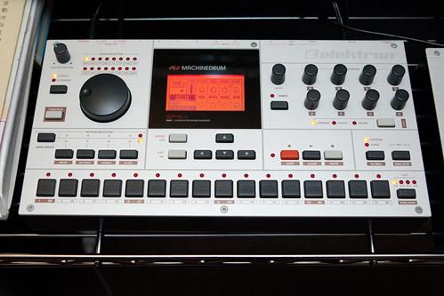 TR-909(ジェフ・ミルズ)の説得力
