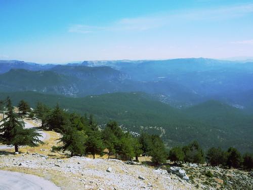 Wanderwege auf umliegende Hochplateaus vom Yelmo in der Sierra Segura