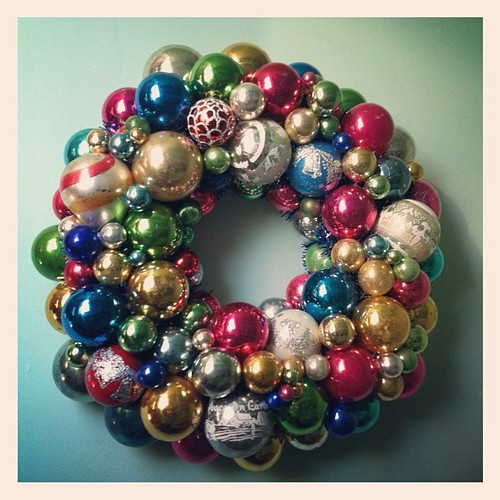 Awesome vintage ornament wreath #2!