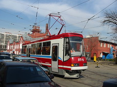 Moscow tram LT-5. Frist test drive on streets. _20030418_101