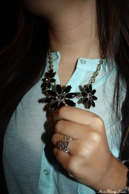 OUTFIT BLACK AND TURQUOISE 3