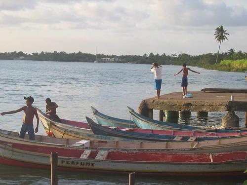 garotos ribeirinhos pescando no São Francisco - Piaçabuçu (AL)
