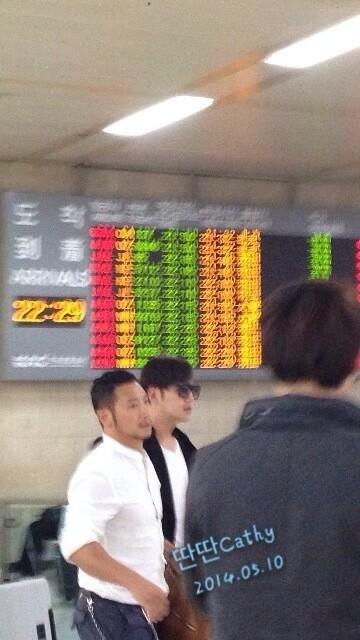 [Pics] Jang Keun Suk returned from Japan to Korea_20140510 14150743142_b8f0fb73e2_z