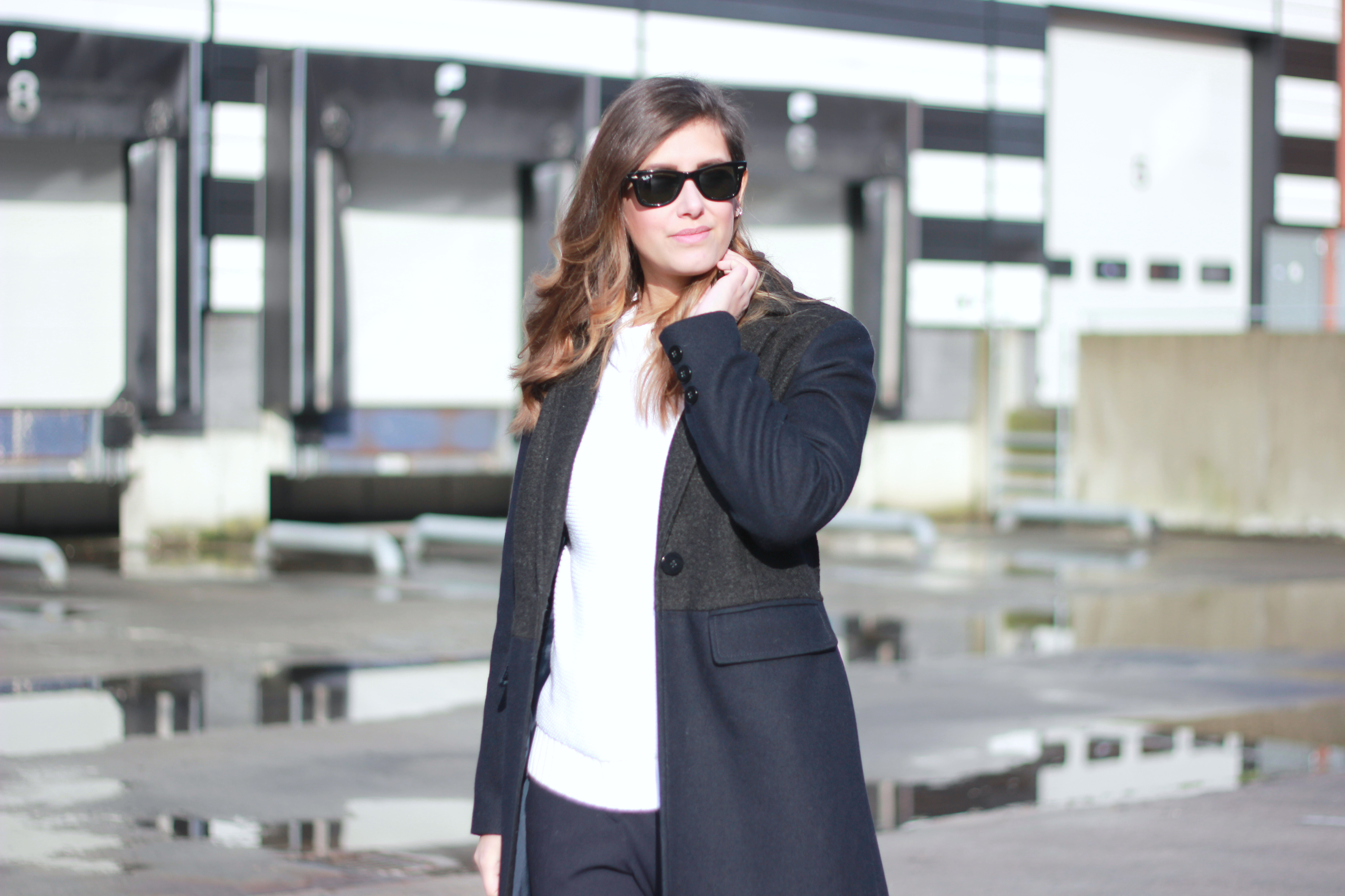 how-to-wear-wool-long-coat-white-sweater-style-simplicity-basic-essentials