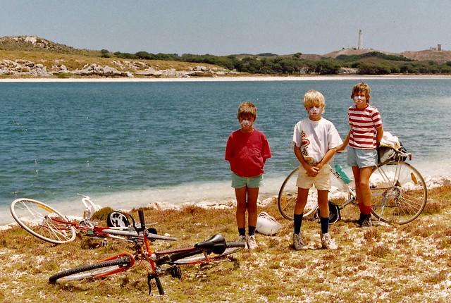 Terry, Ken, Luke Weaver & bikes, Rottnest January 1991 copy