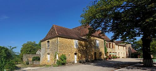 MOLIERES, charmante petite bastide du Périgord (France)