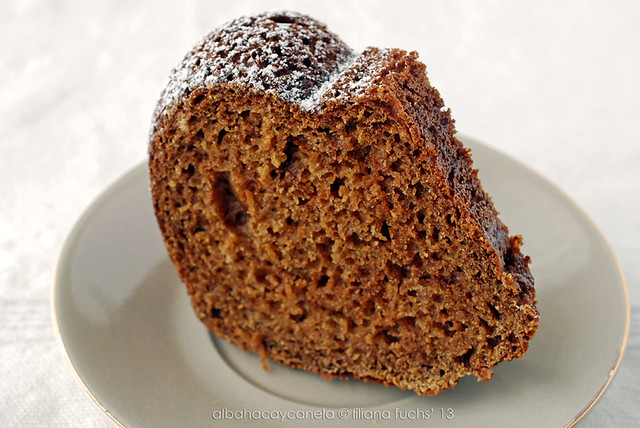 Applesauce cake (low fat)