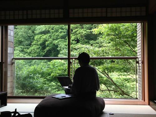 界 箱根 窓際の景観