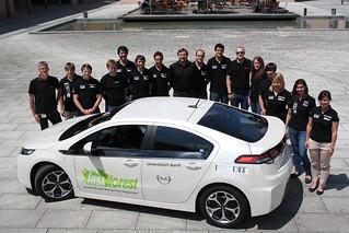 Opel-Flutopferhilfe für Fast Forest Team