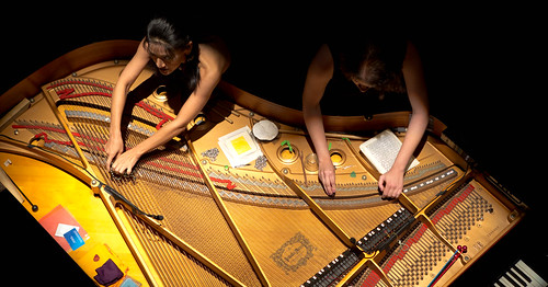 Multi_04_12 > PianOrquestra + Pedro Rebelo & Justin Yang - Tributo a John Cage