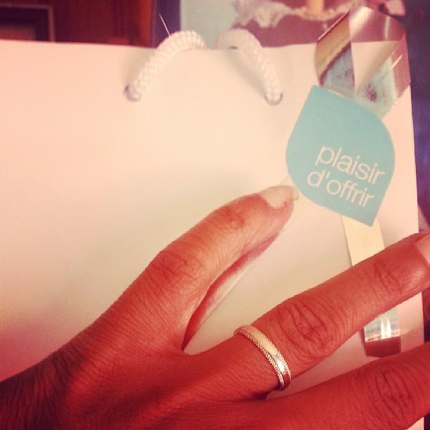 A enfin trouver une nouvelle alliance pour moi et j'ai trouver le cadeau pour l'anniversaire d'une copine.  #bague #bijou #blog #blogueuse #mode #look #murat #mariage