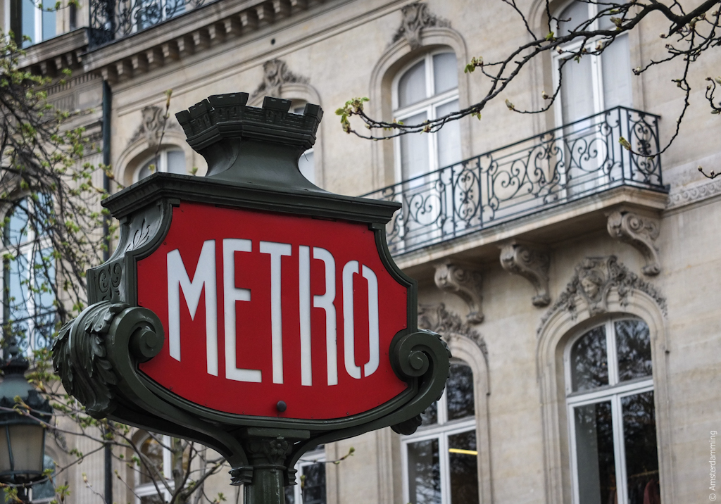 Paris, Metro Sign