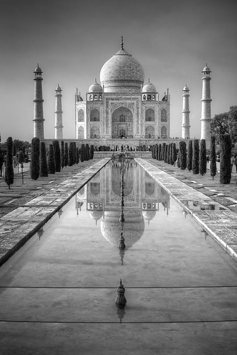 2013-07-17 Taj Mahal B&W (EXPLORE)