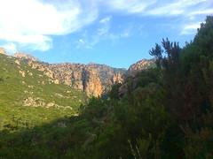 La brèche du Carciara depuis le sentier au départ de la descente vers le Mela