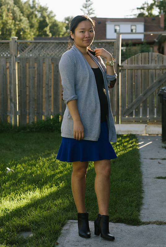 cardigan blue ruffled skirt maternity outfit