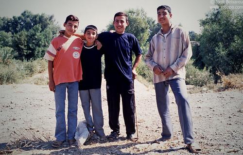 people boys middleeast teenagers teen arab syria arabs groupoffriends deirezzor dayrazzawr