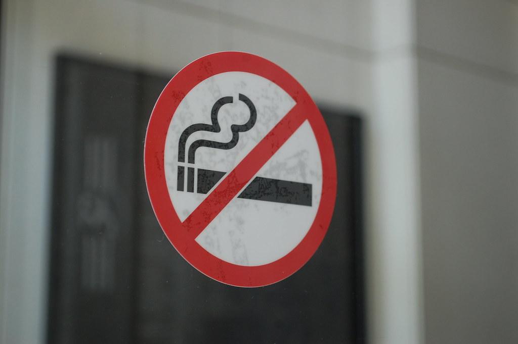 No smoking decal