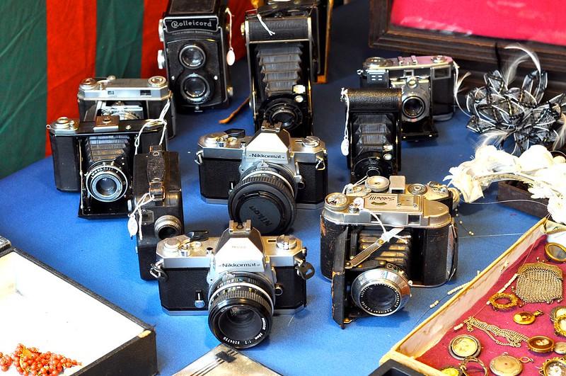 cameras at antique market brussels