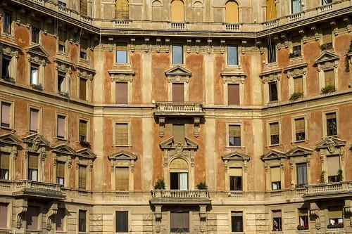 [3964] Piazza Adriana
