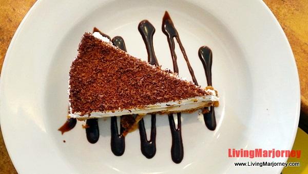 Banana Caramel Pie, Photo by LivingMarjorney