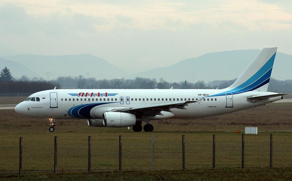 Aéroport de Grenoble-Isère [LFLS-GNB] 11928719056_d8b19e69fd_b