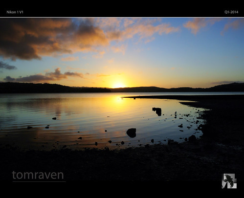 sunset sky sun water clouds reflections silhouettes v1 nikon1 tomraven aravenimage q12014