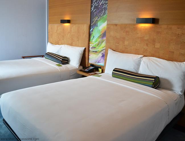 bedroom_queensuite2