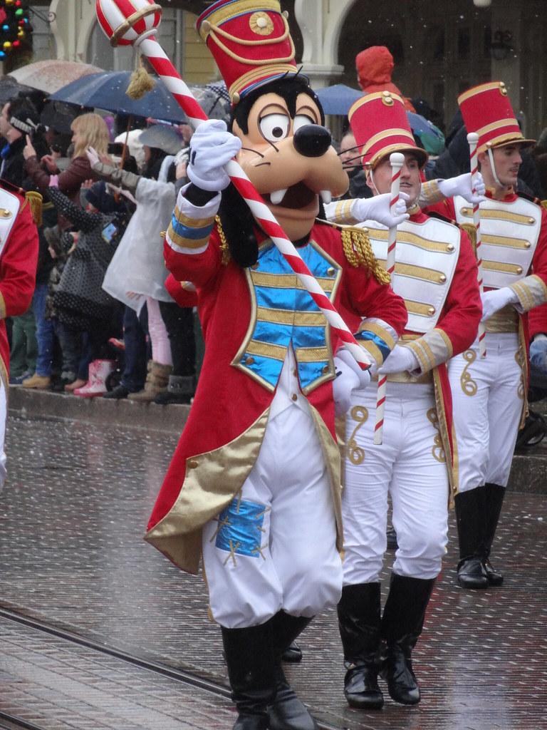 Un séjour pour la Noël à Disneyland et au Royaume d'Arendelle.... - Page 6 13899692535_8948639df5_b