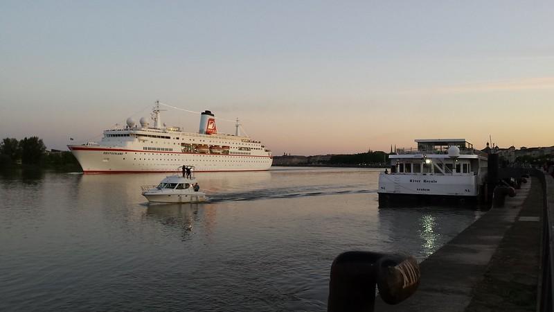 Appareillage du MS DEUTSCHLAND - Bordeaux - 04 mai 2014