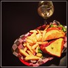 Wine and a BLT...'cause I'm classy. And so is @writetoleesa