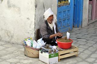 Vendedor de legumbres en la Medina de Kairoaun Kairouan, la cuarta ciudad más santa de la fe musulmana - 14148598193 5880d7e725 n - Kairouan, la cuarta ciudad más santa de la fe musulmana