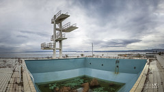 The world 39 s best photos of fosseaplongeon flickr hive mind for Piscine marignane