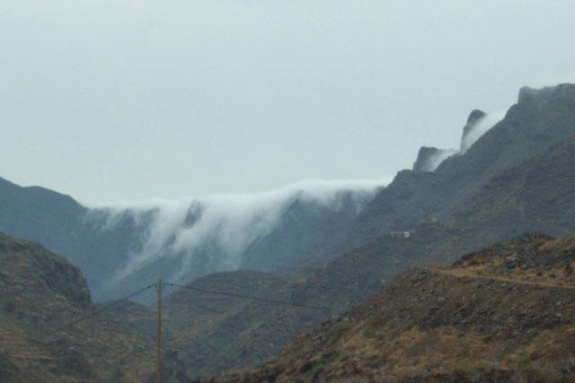 Cascada de nubes. © Paco Bellido, 2003