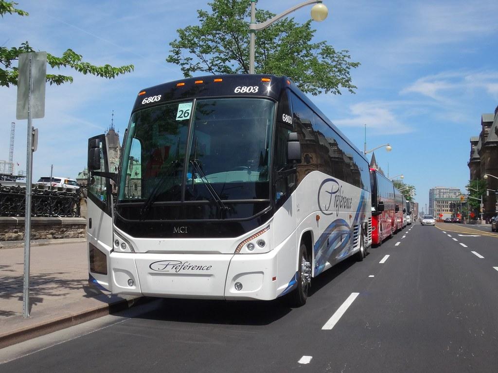 Autocar Préférence MCI J4500 6803