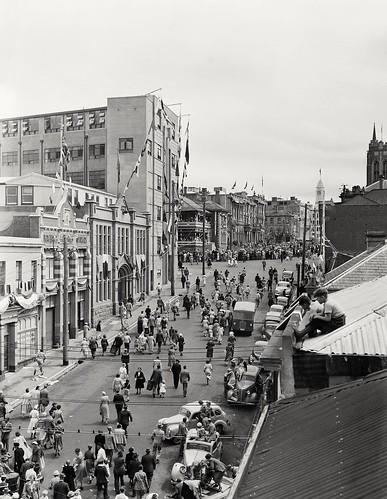 Snuva posted a photo:Murray Street Royal Visit 1954