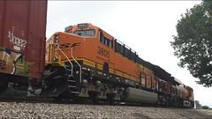 BNSF ET44C4 3805
