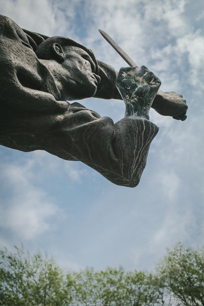 Volkspark Friedrichshain statue