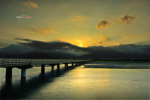 longexposure bridge sunset nature beauty night photography landscapes glow view taiwan 台灣 hualien 日落 jian afs cpl 花蓮 blackcard 2470 黑卡 swm 吉安 花蓮大橋 2013 木瓜溪 新城 霞光 mosonkuo