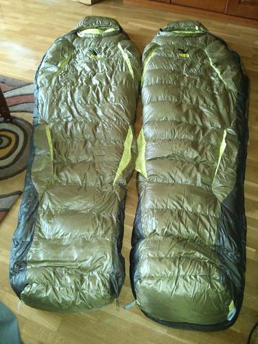 Sacos sábana de seda tipo momia dobles en pareja