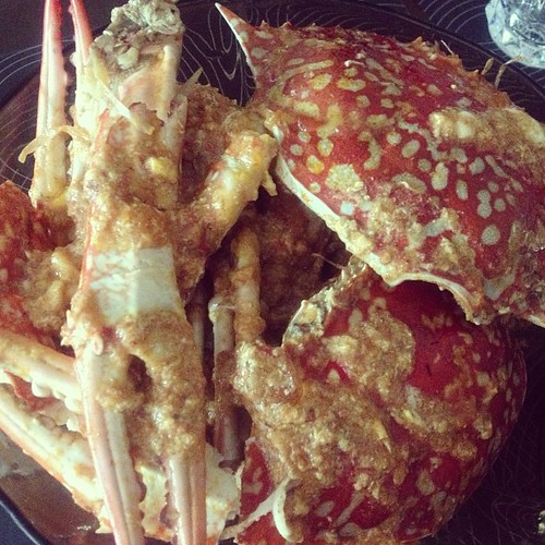 celebrating national day early. chilli crab by @jpcunanan